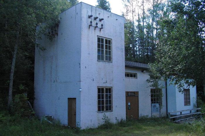 Bilde av Kistafoss kraftstasjon. Kopling til omtalen på Wikipedia.