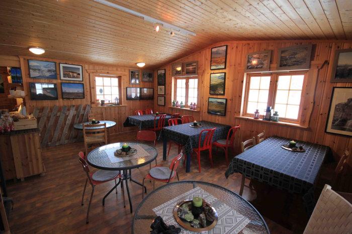 Interiør fra Stugudal kafe
